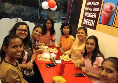 Friends-&-Family-At-Creamy-Nuts (2)